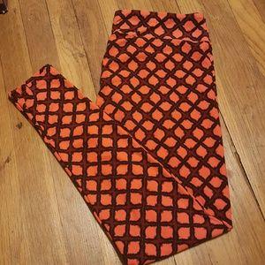 LulaRoe Pants - NWOT LulaRoe TC leggings